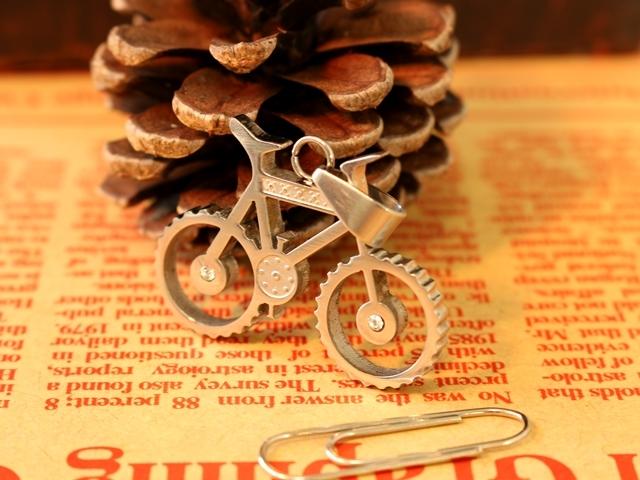 自転車,自転車モチーフ,雑貨,自転車柄, キーホルダー ,モチーフ,エプロン,ロードバイク,ギフト,アンティーク,おしゃれ,ネクタイ,