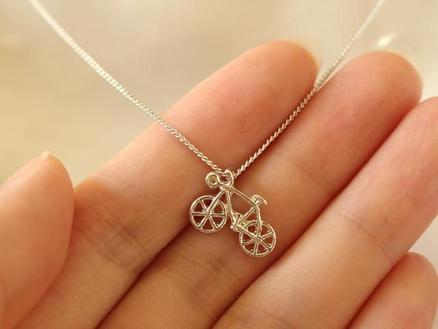 ネックレス自転車,ネックレス自転車モチーフ,ネックレスおしゃれ,ネックレスかわいい,モチーフネックレス,ネックレスシルバー