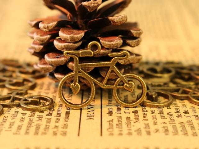 自転車柄,自転車モチーフ,雑貨,モチーフ,おしゃれ,キーホルダー ,エプロン,サーシャ,ロードバイク,ギフト,アンティーク,ネクタイ