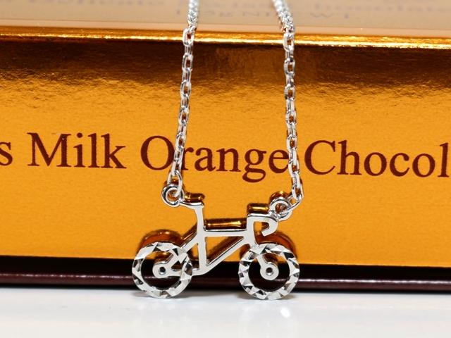 自転車 ネックレス メンズ シンプル/チェーン/プレゼント/レディース/自転車女子ウケ/自転車モチーフ 好き/彼女 誕生日/自転車雑貨