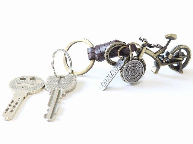 送料無料キーリング キーホルダー 牛革 プレゼント バッグアクセサリー かわいい バッグチャーム 小物 メンズ 鍵 自転車 自転車モチーフ