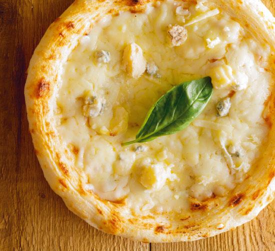 【ナポリ風ピザ】「4種のチーズのマリアージュ クアトロフォルマッジ」天然酵母・有機小麦粉使用ピッツァ【冷凍便】