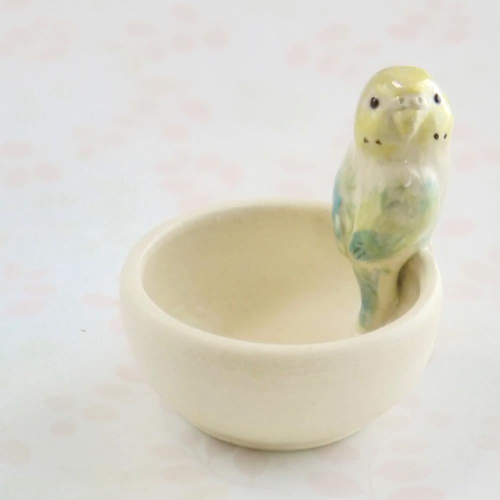 【小鳥雑貨はとはな】★陶器の小物入れ/セキセイ・レインボー