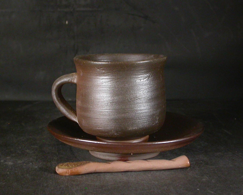 備前焼 備前焼中堅作家 片岡 聖観  皿・スブーン付き黄ゴマコーヒーカップ23