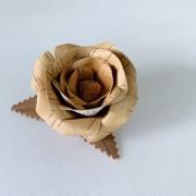 白樺 バラのブローチ