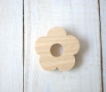 お花(kukka)のブローチ 1個 せんの木(白木) 【予約商品2月下旬頃の発送予定】