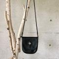 ピューター刺繍入りミニショルダーバッグ Sサイズ 黒/スクエア