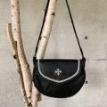 ピューター刺繍入りショルダーバッグ Lサイズ 黒/丸 縁飾り有