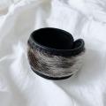 アザラシ毛皮とトナカイ革ブレスレット  黒 <2>