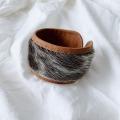 アザラシ毛皮とトナカイ革ブレスレット  茶 <2>