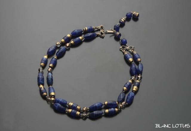 ヴィンテージ 青いグラスビーズのネックレス フランス製