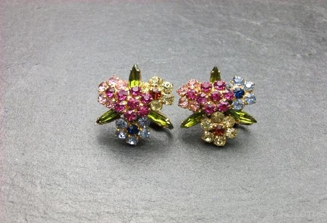 Vendome マルチカラーの花のイヤリング