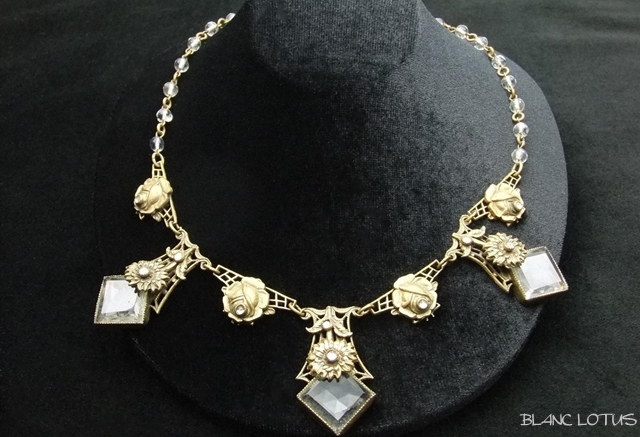 Bohemian 雛菊とバラのクリスタルネックレス