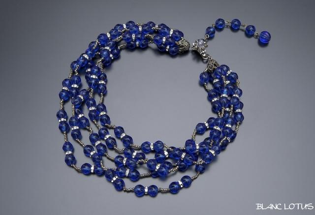 Miriam Haskell(ミリアム・ハスケル) 青いガラスビーズのネックレス