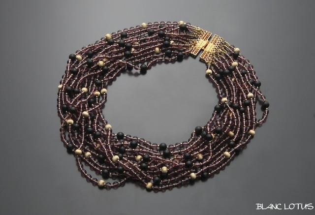 アンティークモーブカラーのネックレス