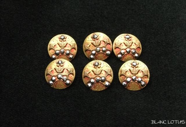 アンティーク ブロンズ色のカットスティールボタン 6個組