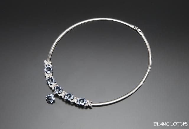 ヴィンテージ 青い花のネックレスとイヤリングのセット