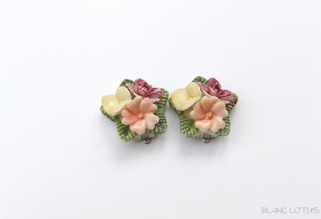 小さな花束のイヤリング