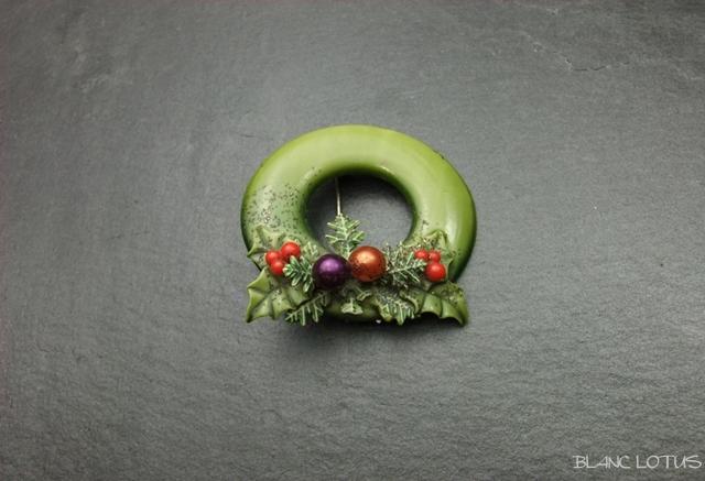ヴィンテージブローチ 柊のクリスマスリース