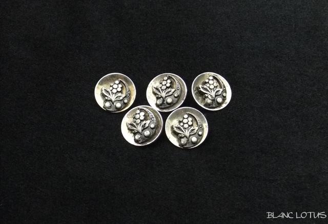 アンティーク メタルのピクチャーボタン 5個組