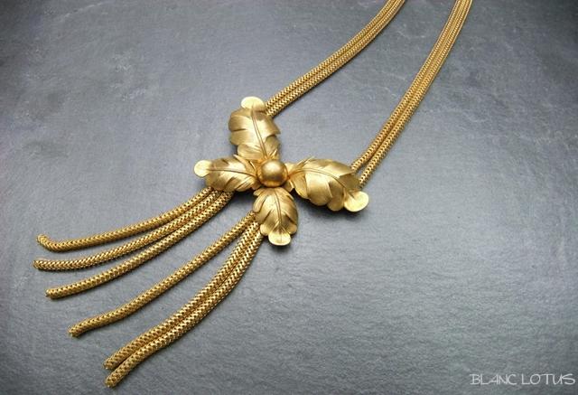 ヴィンテージネックレス 金色のリーフネックレス