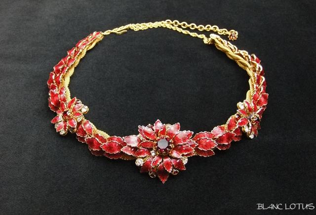 DeMario(ディマリオ) 赤いエナメルフラワーネックレス