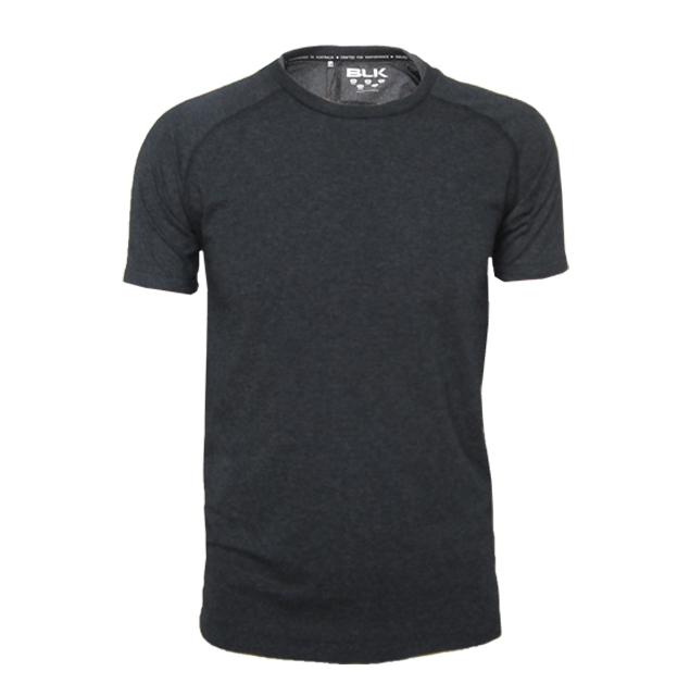BLK エッセンシャルティーシャツ