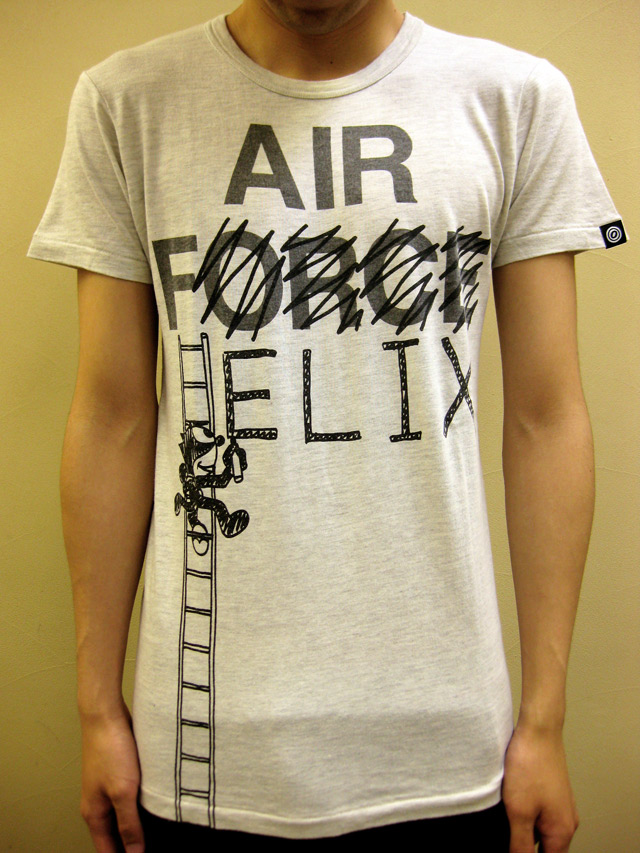OVER THE STRiPES AIR FELIX Tシャツ