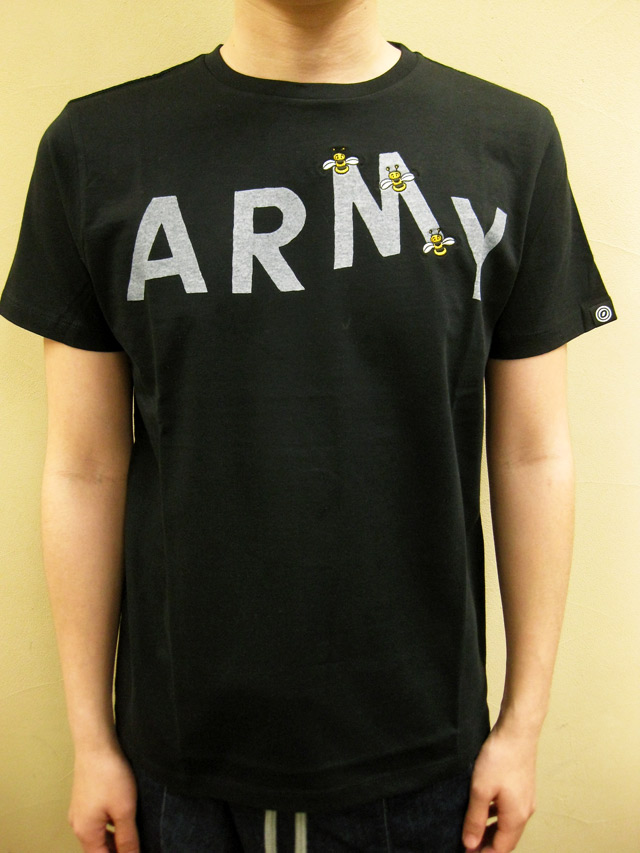 """OVER THE STRiPES BEES STOLE """"M"""" ARMY Tシャツ"""