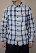 オフブロックチェックシャツ