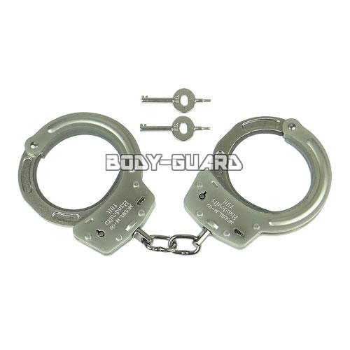 ユイル M-09K アルミ手錠 シリコンコーティング ダブルロック シルバー