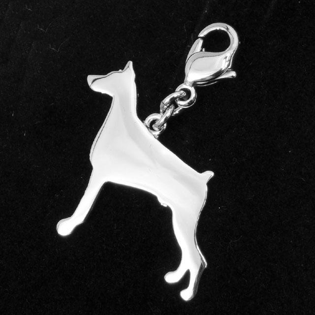 犬のシルバーシルエットチャーム ボクサー