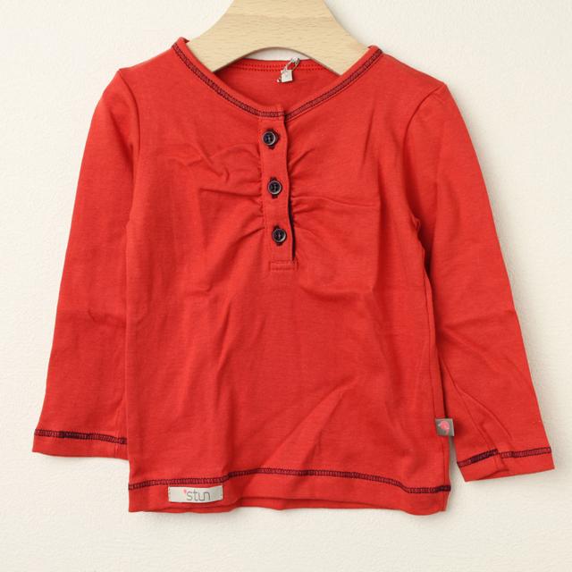 【在庫処分セール60%OFF】stun(スタン) 無地前ボタン長袖Tシャツ レッド 2才 3才 4才   【おまかせ配送で送料お得】