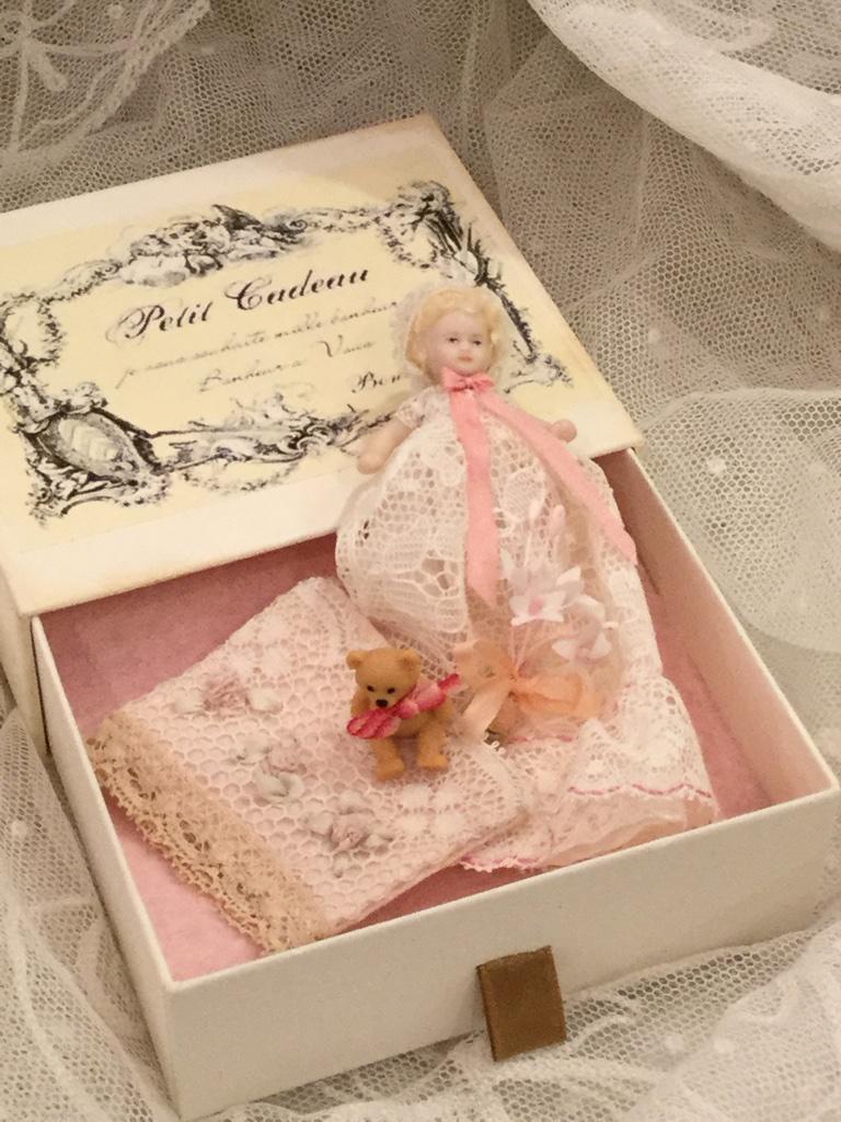 doll box