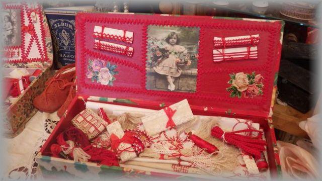 赤糸刺繍メルスリーボックス