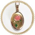 ピンクのバラのロケットペンダント