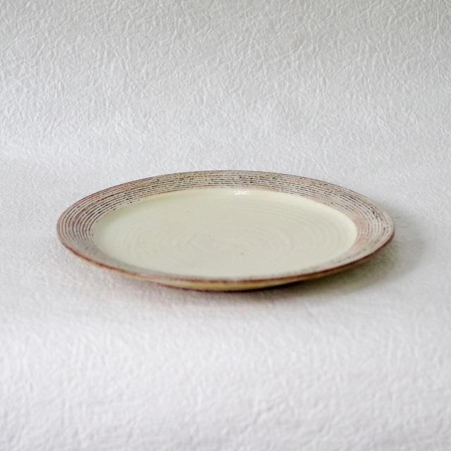 渕荒横彫 8寸リム皿