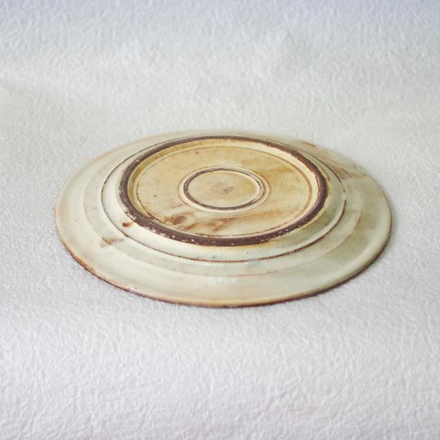 渕荒横彫 8寸リム皿 高台