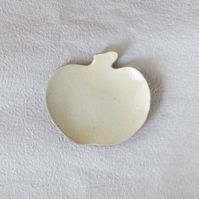 錆釉 りんご皿 中 真上
