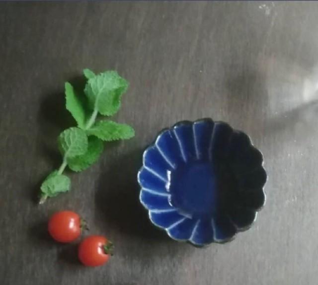益子焼 中村哲雄 輪花ミニ鉢(青) 10cm