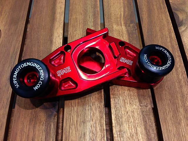 【アウトレット】SME Yamaha R1 (04-12) アクスルブロックスライダー