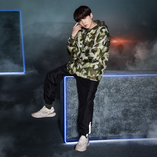 フィラ BTS プロジェクト 7 カーブレット FILA PROJECT 7 CURVELET BEIGE/BROWN メンズ レディース スニーカー ブロマイド プレゼント Born To Shine 防弾少年団 F2082-0925