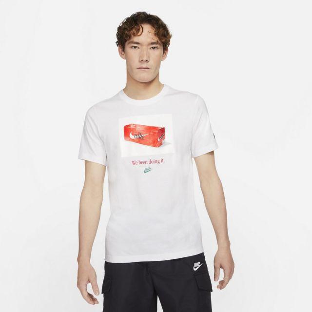 ナイキ NSW スウッシュ 50 フォト S/S Tシャツ NIKE WHITE メンズ Tシャツ DJ1390-100