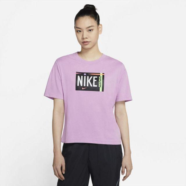 ナイキ WS NSW ウォッシュ S/S Tシャツ NIKE FUCHSIA GLOW レディース Tシャツ DD1234-597