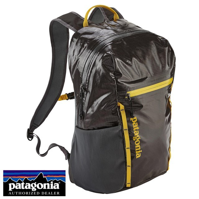 <20%OFF SALE セール 送料無料> Patagonia パタゴニア バッグ バックパック リュック Lightweight Black Hole Pack 26L ライトウェイト ブラックホール パック 26L Forge Grey w/Chromatic Yellow グレー/イエロー 49050-FGCY [アウトドア/旅行/デイパック/撥水/軽量]