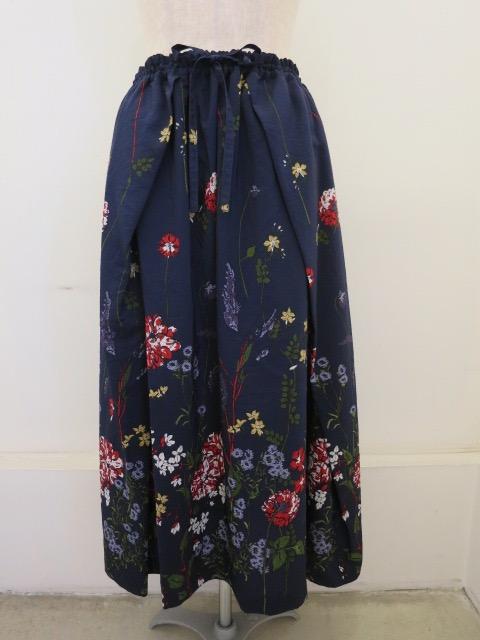 KEI Hayama PLUS(ケイハヤマプリュス),ガーデンフラワーシャワープリントキュプラコットンシワ加工ウエストゴムギャザースカート:ネイビー