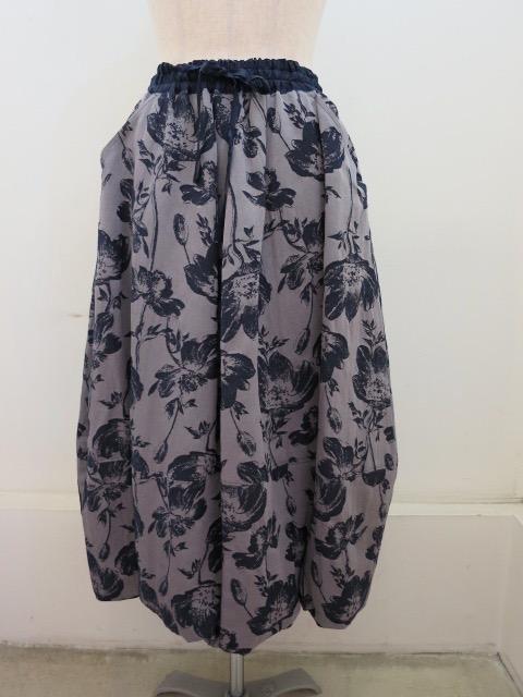 KEI Hayama PLUS(ケイハヤマプリュス) アネモネジャガードウエストゴムバルーンスカート:ネイビー