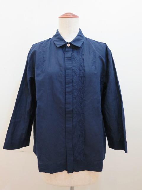 KEI Hayama PLUS(ケイハヤマプリュス) ハンド刺繍綿ラミーローン七分袖ブラウス:ネイビー