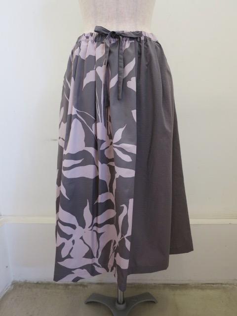 KEI Hayama PLUS(ケイハヤマプリュス) 春風プリントレーヨンコットングログランウエストゴム ギャザースカート:ピンク