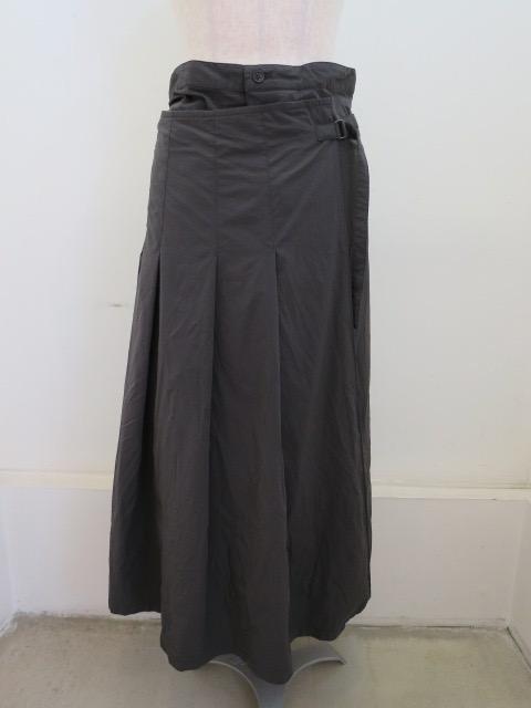 Y's YOHJI YAMAMOTO (ワイズ ヨウジヤマモト) マットドライタイプライターキルトスカート:カーキ